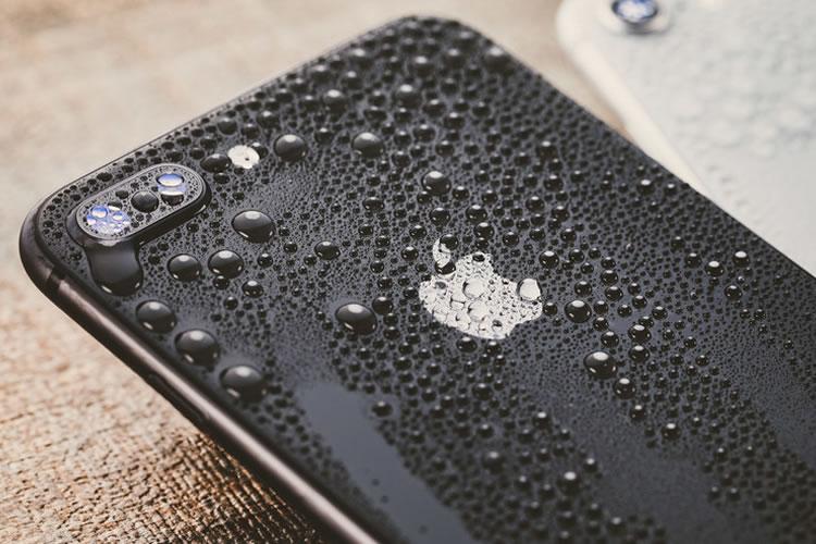 防水機能付きのスマホ・携帯電話がベスト