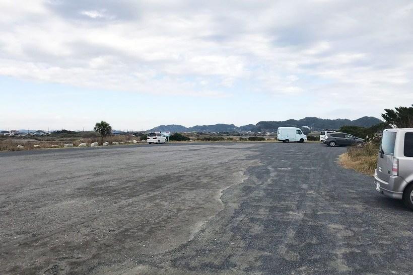 日在・和泉浦海岸の駐車場