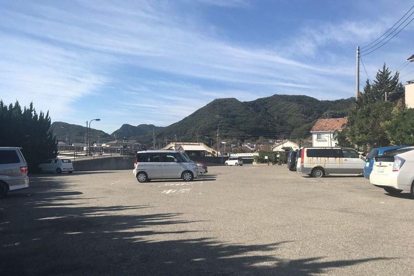 二タ間海岸の駐車場