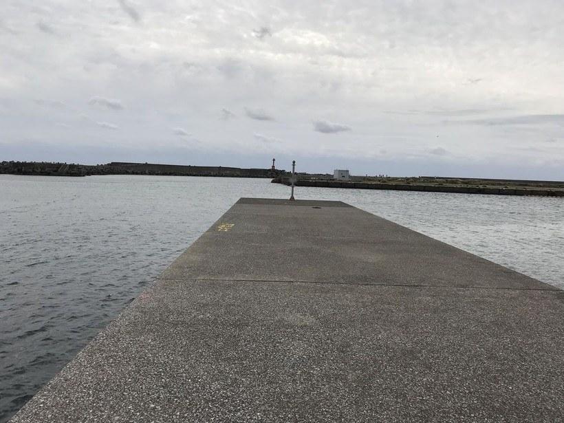 堤防の先端および角