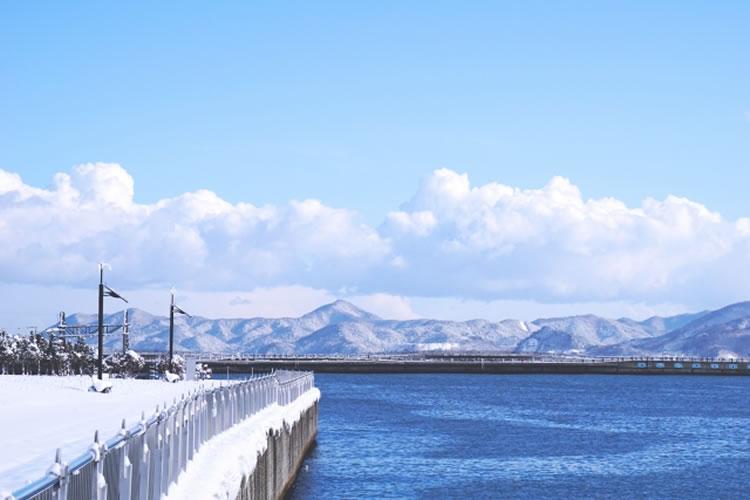 初冬はまだまだヒラスズキが釣れやすい